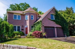 Real Estate Listing  46 Sawdon Dr Whitby